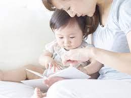 Trẻ 8 tháng tuổi biết làm gì - Giai đoạn con phát triển trí tuệ cảm xúc  (EQ) vượt trội