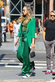 Photos : Ava Michelle in Green Suit – Out with friends in NY - Celebrity.tn  - N°1 Official Stars & People Magazine, Wiki, Biography & News
