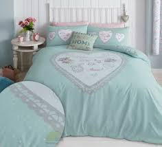 heart panel bedding set zoom