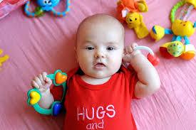 Resultado de imagem para bebês de 3 meses