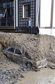 Rize'de sel ve heyelan afetinin hasarı gün ağarınca ortaya çıktı