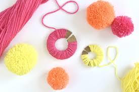 How To Macke How To Make Yarn Pom Poms