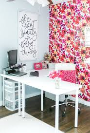 Home office decorating ideas nyc Brit Co 13 Kate Spade New Yorkinspired Office Decor Ideas For The Hbic Via Brit Co Pinterest 13 Kate Spade New Yorkinspired Office Decor Ideas For The Hbic Via