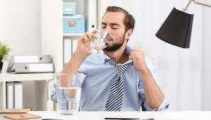 ᐅ 17 Coole Tipps Gegen Hitze Im Büro
