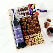 Carino Wine Gift Tray by BroadwayBasketeers.com