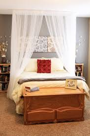 5 DIY Ceiling Mounted Bed Canopies - Shelterness