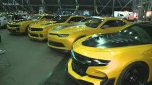 Learn about transformers® with with realtime toy price tracking, history, parts and accessories pictures, instructions, packaging, size, and remold transformers: Transformers Bumblebee Cars For Sale At Barrett Jackson Auction Youtube