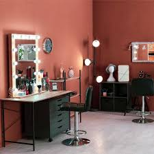 let your salon station stand out with these funky salon station ideas
