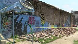 George Floyd mural collapse lightning ...