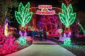 Christmas Light Show In Bakersfield Ca Zoo Light Displays Celebrate The Holiday Season With