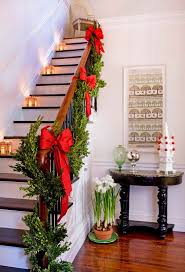50 Stunning Christmas Staircase Decorating Ideas