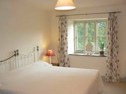 Short Curtains For Bedroom Bedroom 75 Pictures Of Bedroom Window Treatment Ideas
