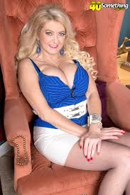 Gallerie 40 somethingmagcom mature elena