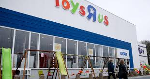 toys r us reopening group of investors planning eback for the toy chain brand and geoffrey the giraffe cbs news