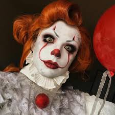 this insanely talented makeup artist gave pennywise a drag gl makeover ad horror