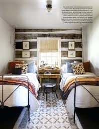 how to arrange 2 twin beds in small room bedroom with two beds idea for a