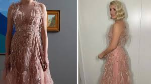 On instagram, she described the centrepiece of her dazzling outfit as a dress of dreams. Holly Willoughby Dancing On Ice Dress Star Wows In Pink Feather Dany Atrache Couture Heart