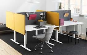 Office desk dividers Curved Design Softline Desk Dividers Surrounding An Group Of Office Desks Modern Office Furniture Desktop Dividing Screens Desk Partitions Desk Dividers