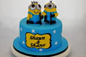 Laura Templeton On Twitter Twin Boys 1st Birthday Minion Cake