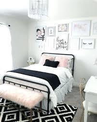 simple bedroom decor. Small Bedroom Decorating Ideas For Rooms Simple  Simple Bedroom Decor O