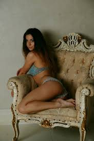 Naomi G Nude In Favorite Chair Free Erotic Beauty Picture Gallery At Elite Babes