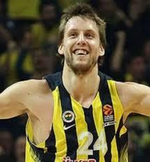 themurathanoglu Instagram post (photo) Jan Vesely Çekya Milli takımında  oynayamayacak. Sezonun başına da hazır olamayacakmış.