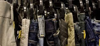 how to the best way to hang dress pants and jeans so they actually stay on the hangers