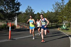 He won gold medals in the men's 1500m and 5000m t13 events at the 2019 world para athletics championships Jaryd Clifford Sets A Marathon World Record On Debut Run Creature