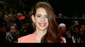 kalki koechlin s essay do n women mirror ophelia is  kalki koechlin s essay do n women mirror ophelia is intensely captivating