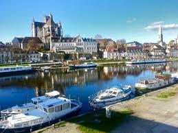 Région Bourgogne - Franche comté Images?q=tbn:ANd9GcSS3i4FP0fAvVv24KfnZqDMd_nKH7JbIKQ0WXYKlQzeiPDYN2WD