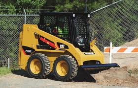 aehq6104 01 cat 226b series 3 skid steer loader spec sheet
