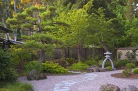 Lawn & Garden:Middle Japanese Garden Design Minimal Small Japanese Gardens  With Elegant Use Of