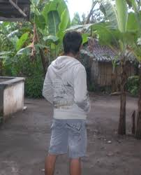 Ni poto ku dari belakang | Dedy Hermawan