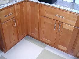 honey maple kitchen cabinets. Albuquerque Cabinet Brokers Broker Honey Maple Shaker Kitchen Cabinets G