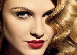 red lips makeup look