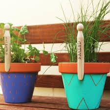 garden labels. DIY Garden Labels - 5 Easy \u0026 Inexpensive Ideas