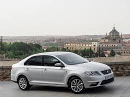 Seat Toledo Review & Ratings: Design, Features, Performance ...