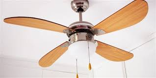 how to clean a ceiling fan