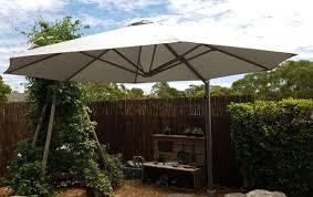offset patio umbrellas vs cantilever