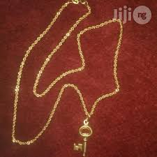 italy 750 pure 18krt gold twist design wit key
