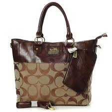 Coach In Signature Medium Camel Totes AOV