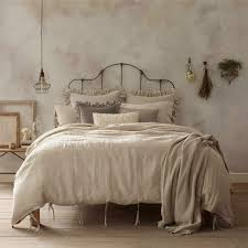 i m obsessed with linen bedding because i never sleep i m a total insomniac so the bed has become a very important object in my life