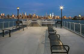 Chart House Lincoln Harbor Weehawken Nj Weehawkens Lincoln Harbor Has A Brand New Waterfront
