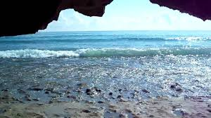 Bathtub Beach Beautiful Beach,Rocks,Caves and waves (Chastain ...