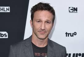 Who Plays Trey On Designated Survivor Designated Survivor Casts Breckin Meyer To Play Kiefers