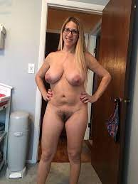 Sexy Hot Naked Mature Column