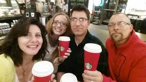 "Regina Miller on Twitter: ""Hey @CCrayosky! check it out. Red #starbucks  cups are back! https://t.co/QTXxPZz3je"""