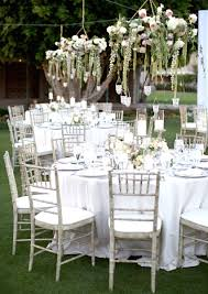 gorgeous chandelier wedding decor 16