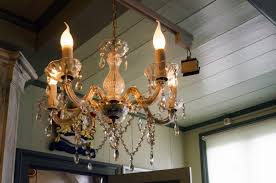 of type a mounts with a narrow bulb shaped like a flame these are prominently used for decorative purposes particularly in candelabra style lighting