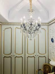 Antike Kronleuchter Und Französischer Spiegel In Einem